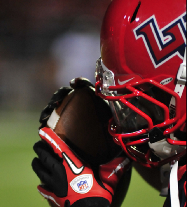 DE Juwan Wells commits to Liberty