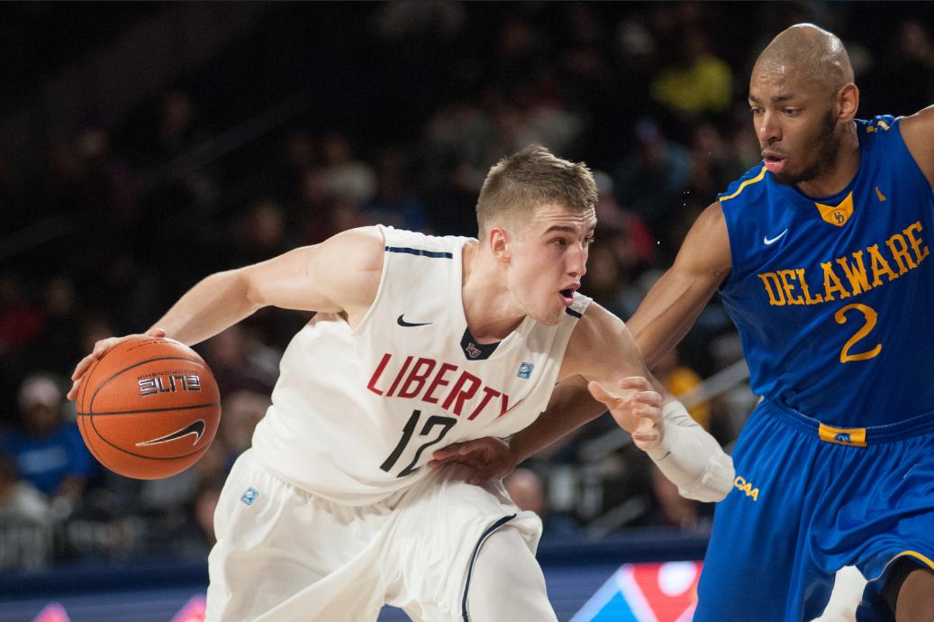 Photos – Basketball vs Delaware