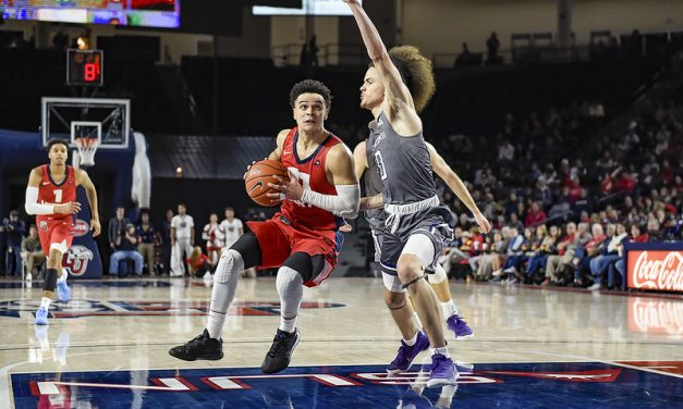 Liberty withstands Lipscomb's hot shooting to improve to 19-1