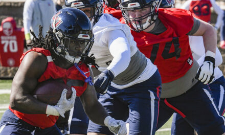 Liberty makes cut for 3-star athlete from Hampton
