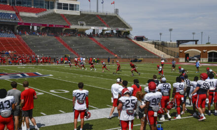 Defense dominates Liberty's first scrimmage of camp